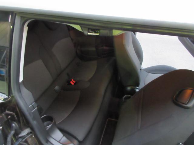 クーパー クラブマン 記録簿 禁煙車 パイオニアナビ リアスモークフィルム 純正17インチアルミホイール フォグランプ Bluetooth接続プレイヤー付(12枚目)