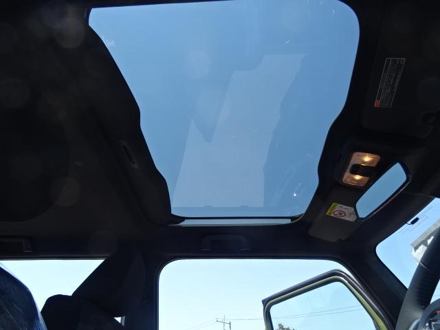 G ブラックパック ガンメタホイール フルLEDヘッドライト スカイフィールトップ 運転席シートリフター&チルトステアリング 電動パーキング ステアリングSWバックカメラBluetooth地デジナビ(12枚目)