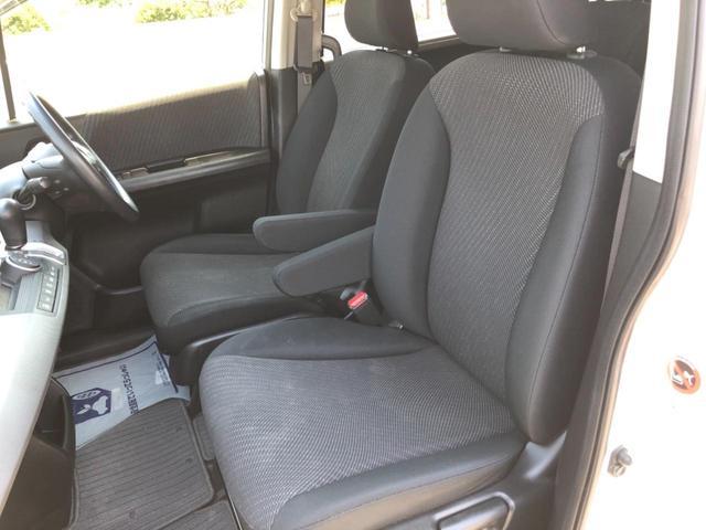 アームレストを装備★ 運転席には、アームレストがついてます!長距離ドライブに役立ちます!