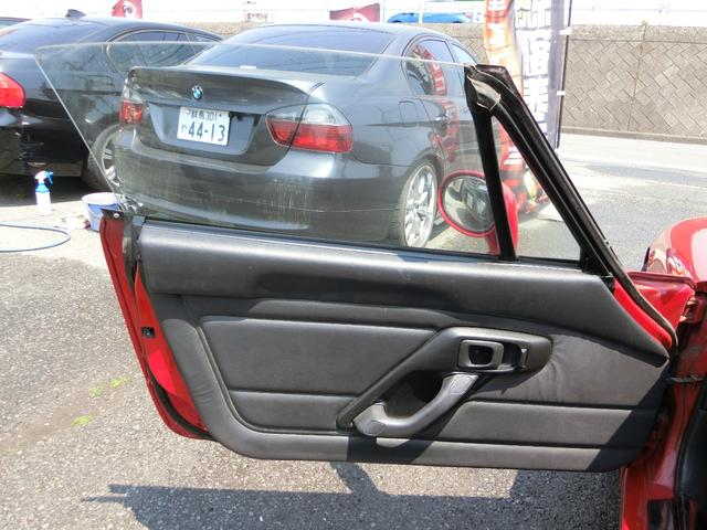 助手席の内装も穴や切れ等なくキレイな状態を保たれております。