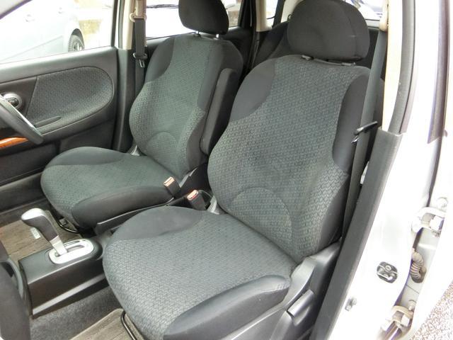 助手席のシートも切れや穴等なくこれ程の状態を保っております。