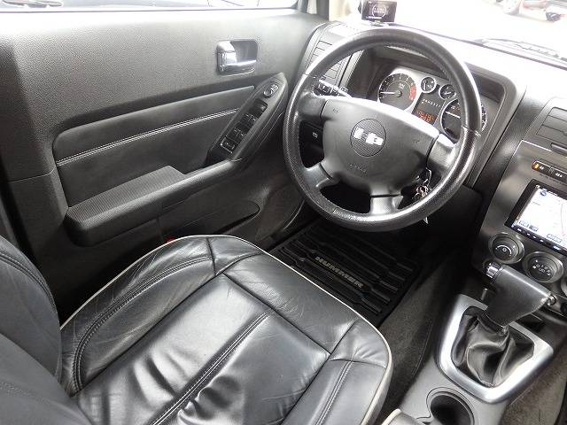 ハマー ハマー H3 ラグジュアリー 黒革 サンルーフ ディーラー車
