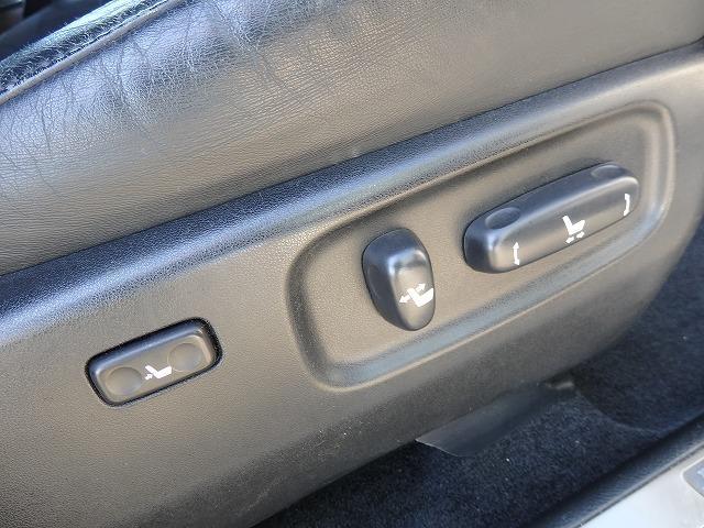 トヨタ ハリアー 240G Lパッケージ HDDナビ 黒革 Bカメラ 後期