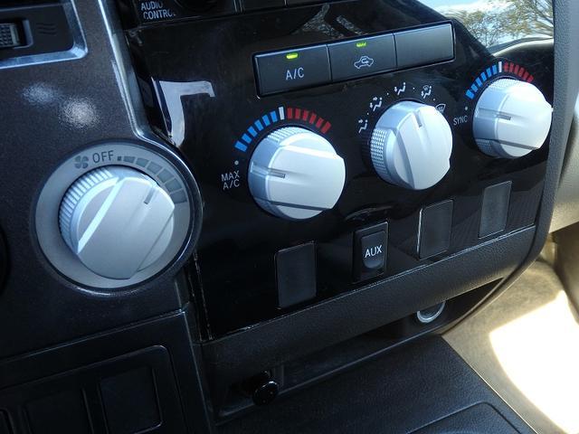 米国トヨタ タンドラ ダブルキャブ SR5 クルコン ヘッドレストモニター