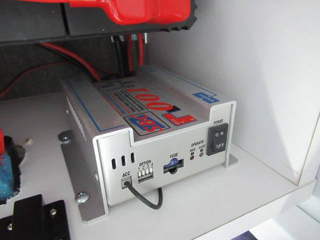 走行充電装備!!営業場所へ移動するときも充電しながら移動できます!
