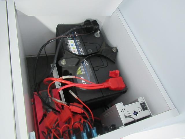 サブバッテリーは1つ装備しています!