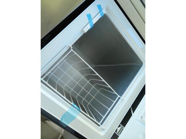 100L冷凍ストッカー!上開きで取り出しやすい構造になります。