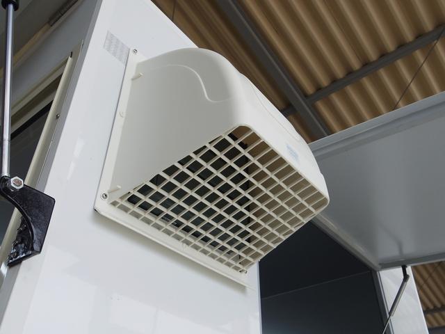 換気扇フードも装備!換気扇から雨漏れを防いでくれます!!