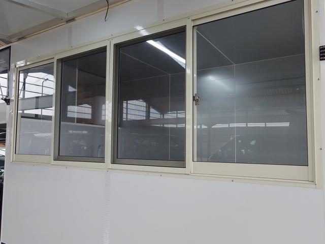 窓の開け方によって多様な使い方が可能です!!