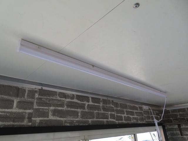 室内2か所LED照明付き!コンセント4か所!ブレーカー!外部電源付!
