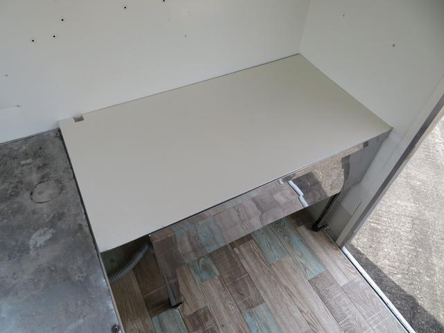 水道を使用しないときはシンクは蓋をして作業台にもできます!