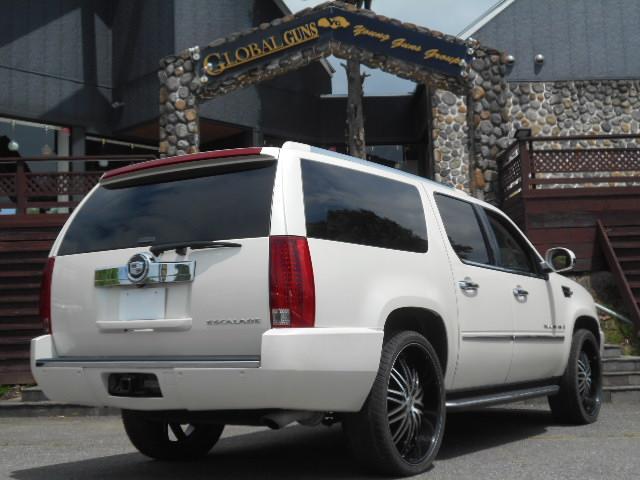 キャデラック キャデラック エスカレード ESV クライメントPKG 26インチアルミ 黒革 SR
