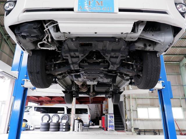 ロングスーパーGL 3.0ディーゼルターボ 5ドア 4型パール ナビ プッシュスタート スマートキー AC100V ETC2.0 5ドア 5人乗車定員 令和2年12月8日車検(13枚目)