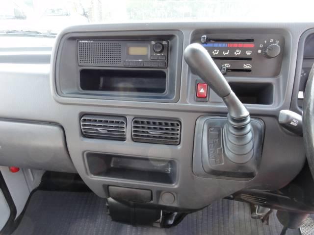 スバル サンバーバン AT車
