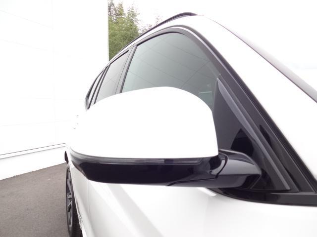 xDrive 20d Mスポーツ 2Lディーゼルターボ xDrive(4WD)純正オプション20インチアルミホイール パドルシフト ハイラインパッケージ レザーシート シートヒーター 電動シート ACC 電動テールゲート(7枚目)