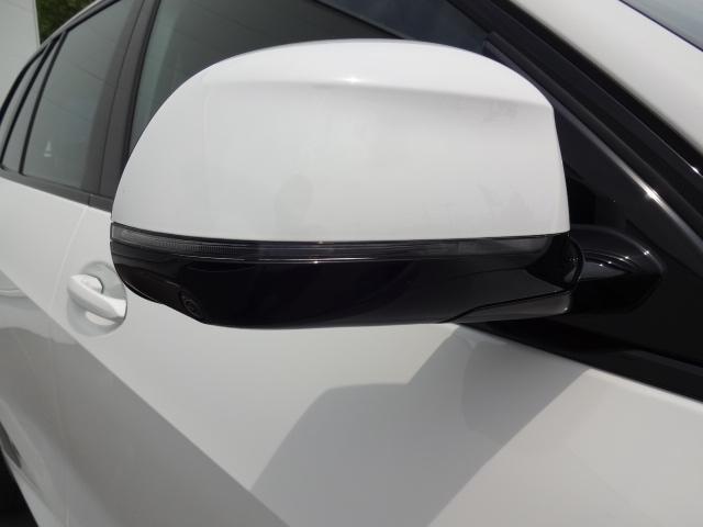 xDrive 35d Mスポーツ HDDナビ エアサスペンション アクティブステアリング パノラマサンルーフ 3列シート Bカメラ レザーシート ACC ステアリングアシスト ヘッドアップディスプレイ 純正21インチホイル(7枚目)
