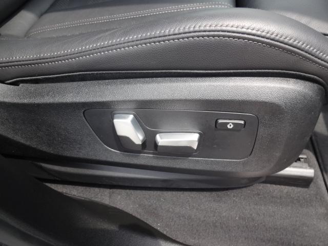 xDrive 35d Mスポーツ HDDナビ エアサスペンション アクティブステアリング パノラマサンルーフ 3列シート Bカメラ レザーシート ACC ステアリングアシスト ヘッドアップディスプレイ 純正21インチホイル(48枚目)