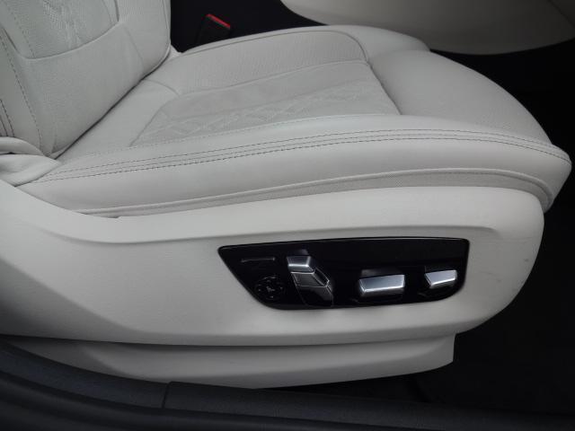 530e Mスポーツ エディションジョイ+ HDDナビ ACC エクスクルージブナッパレザーパッケージ ベンチレーションシート ステアリングアシスト  ヘッドアップディスプレイ パーキングアシスト Mスポーツブレーキ 19インチAW(8枚目)