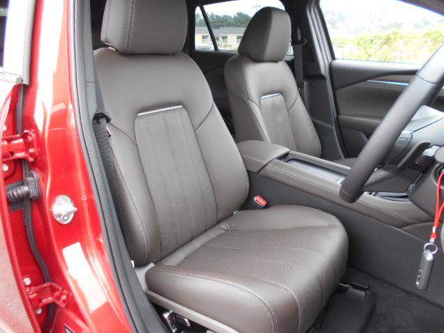 XD Lパッケージ 4WD メーカー8インチナビDTV 360°ビューモニター BOSEサウンドシステム 本革シート シートベンチレーションヒーター アドバンストスマートシティブレーキサポート LED ETC ディーラーデモカー(18枚目)