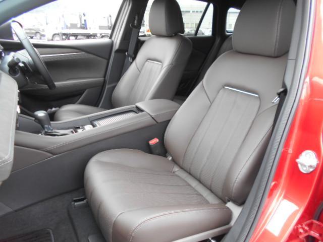 XD Lパッケージ 4WD メーカー8インチナビDTV 360°ビューモニター BOSEサウンドシステム 本革シート シートベンチレーションヒーター アドバンストスマートシティブレーキサポート LED ETC ディーラーデモカー(19枚目)