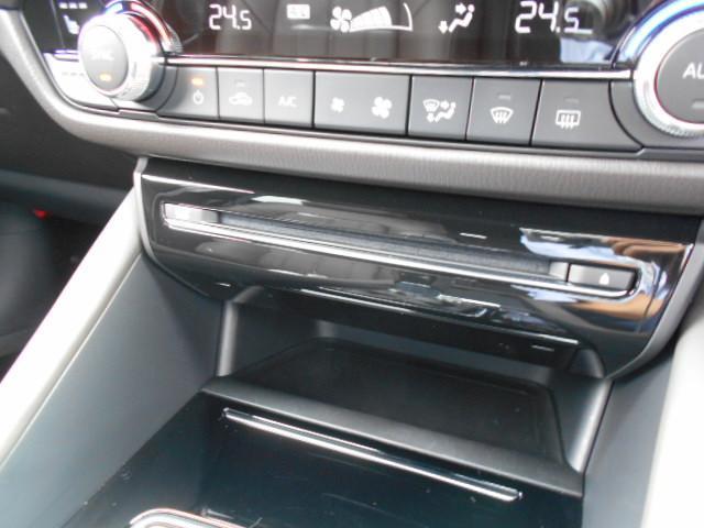 XD Lパッケージ 4WD メーカー8インチナビDTV 360°ビューモニター BOSEサウンドシステム 本革シート シートベンチレーションヒーター アドバンストスマートシティブレーキサポート LED ETC ディーラーデモカー(43枚目)