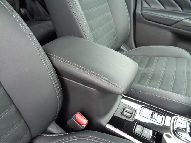 Gプラスパッケージ 4WD メーカー8インチWVGAマルチタッチディスプレイナビDTV ミツビシパワーサウンドシステム マルチアラウンドモニター AC100V電源 e-Assist ステアリング&シートヒーター パワーバックドア(56枚目)