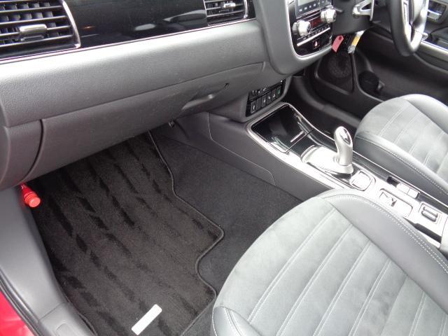 Gプラスパッケージ 4WD メーカー8インチWVGAマルチタッチディスプレイナビDTV ミツビシパワーサウンドシステム マルチアラウンドモニター AC100V電源 e-Assist ステアリング&シートヒーター パワーバックドア(58枚目)