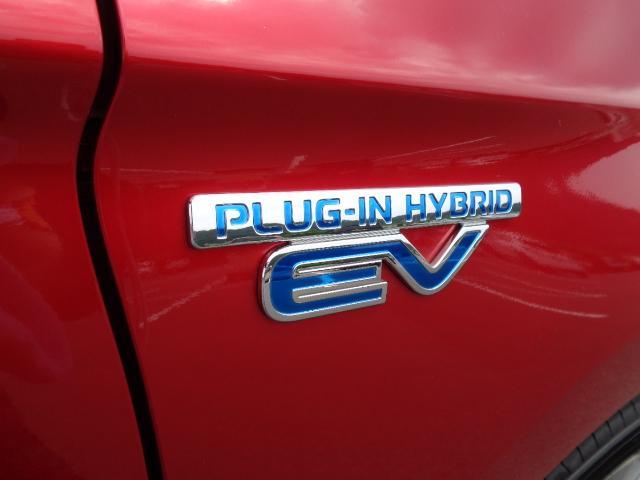 Gプラスパッケージ 4WD メーカー8インチWVGAマルチタッチディスプレイナビDTV ミツビシパワーサウンドシステム マルチアラウンドモニター AC100V電源 e-Assist ステアリング&シートヒーター パワーバックドア(70枚目)