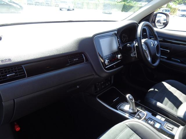 Gプラスパッケージ メーカー8インチWVGAマルチタッチディスプレイナビDTV マルチアラウンドモニター AC100V電源 e-Assist ステアリング&シートヒーター パワーバックドア ディーラーデモカー(13枚目)