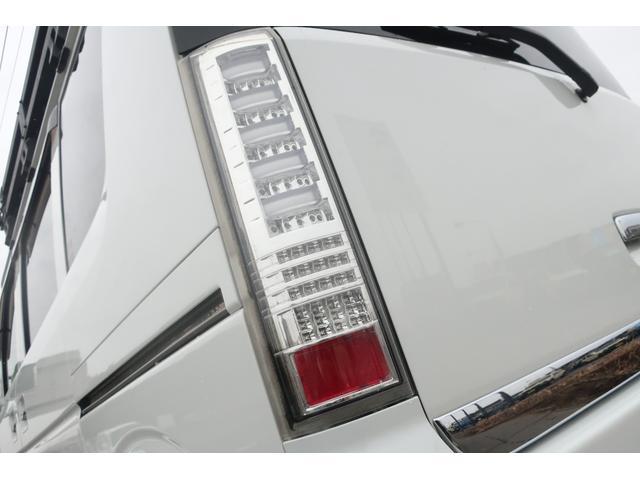 JPターボ 普通車登録 リフトUP 社外16インチAW オーバーフェンダー 社外バンパー ルーフラック ルーフLEDバー ヒッチメンバー 社外SDナビ フルセグ ETC 本革調シートカバー 社外LEDテール(66枚目)