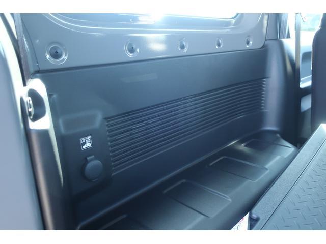 XC スズキセーフティサポート 衝突被害軽減ブレーキ 車線逸脱警報 ふらつき警報 標識認識機能 誤発進抑制機能   LEDヘッドライト ヘッドライトウォッシャー クルーズコントロール シートヒーター(56枚目)