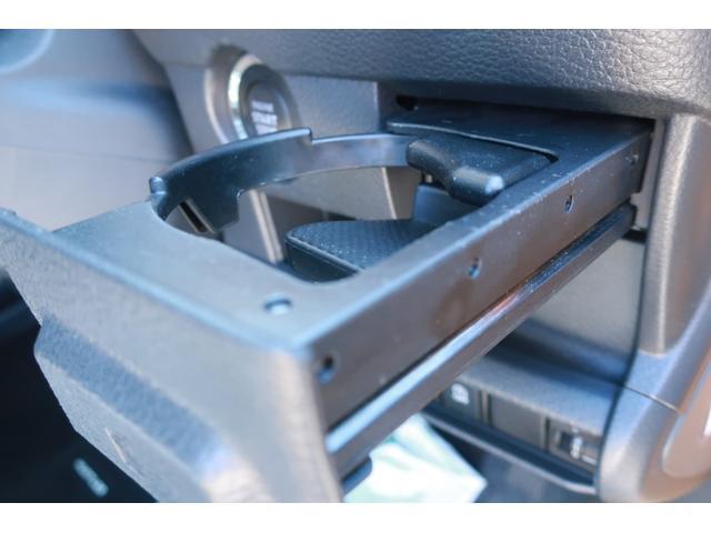 G レーンアシスト 衝突被害軽減ブレーキ 衝突安全ボディ 盗難防止装置 シートヒーター スマートキー 純正SDナビ ETC SDミュージック USB接続 AUX 地デジ バックカメラ ブラックルーフ(28枚目)
