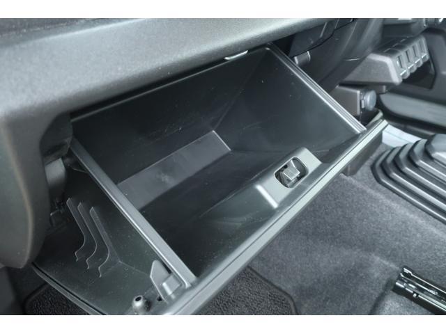 XL 5速マニュアル リフトアップ カスタムグリル 社外マフラー 新品16インチアルミホイール 新品ジオランダーM/Tタイヤ CDオーディオ ETC スマートキー  シートヒーター ヒーテッドドアミラー(29枚目)
