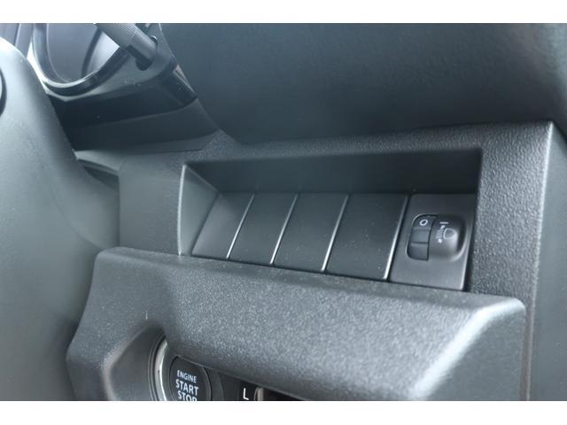 XL 5速マニュアル リフトアップ カスタムグリル 社外マフラー 新品16インチアルミホイール 新品ジオランダーM/Tタイヤ CDオーディオ ETC スマートキー  シートヒーター ヒーテッドドアミラー(46枚目)
