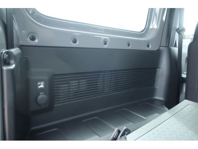 XL 5速マニュアル リフトアップ カスタムグリル 社外マフラー 新品16インチアルミホイール 新品ジオランダーM/Tタイヤ CDオーディオ ETC スマートキー  シートヒーター ヒーテッドドアミラー(55枚目)