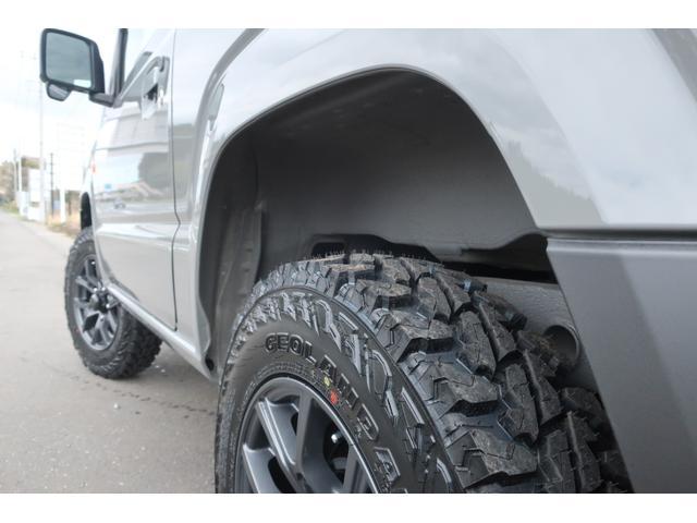 XL 5速マニュアル リフトアップ カスタムグリル 社外マフラー 新品16インチアルミホイール 新品ジオランダーM/Tタイヤ CDオーディオ ETC スマートキー  シートヒーター ヒーテッドドアミラー(70枚目)