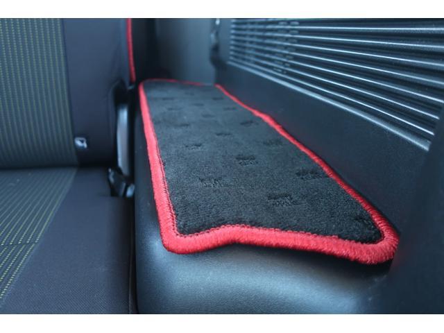 XC 4WD 陸送費無料 DEAN16インチアルミ BFグッドリッチMTタイヤ 社外マフラー 背面タイヤレスカバー 社外ラゲッジマット レーンアシスト 衝突軽減ブレーキ ダウンヒルアシスト  LEDライト(24枚目)