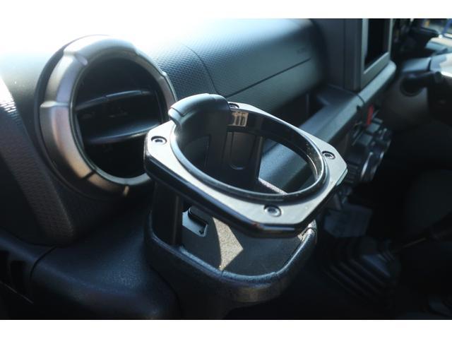 XC 4WD 陸送費無料 DEAN16インチアルミ BFグッドリッチMTタイヤ 社外マフラー 背面タイヤレスカバー 社外ラゲッジマット レーンアシスト 衝突軽減ブレーキ ダウンヒルアシスト  LEDライト(50枚目)