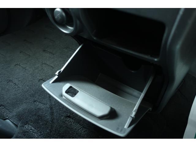 D パワーパッケージ 4WD 新品16インチAW 新品オープンカントリーR/Tタイヤ SDナビ フルセグ 10インチフリップダウンモニター バックカメラ Bluetooth ETC 両側電動スライドドア(46枚目)