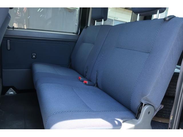 クルーズターボ パートタイム4WD 新品14インチアルミホイール 新品オープンカントリーR/Tタイヤ オーバーヘッドシェルフ ケンウッドCDオーディオ USB接続 ETC 両側スライドドア(23枚目)
