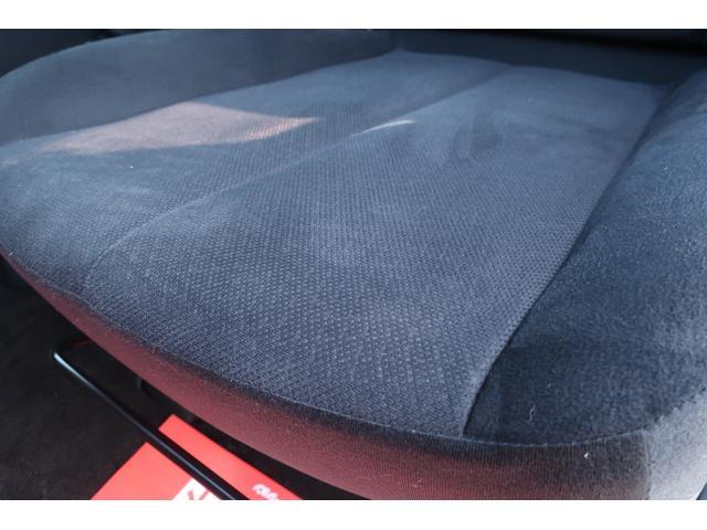 D パワーパッケージ 4WD アルパイン9インチSDナビ 10インチフリップダウンリアモニター フルセグ バックカメラ ETC 新品16インチAW 新品M/Tタイヤ 両側電動スライドドア  シートヒーター  スマートキー(15枚目)