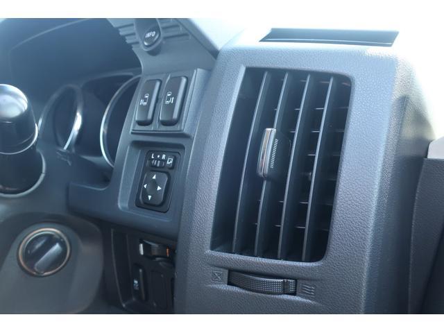 D パワーパッケージ 4WD アルパイン9インチSDナビ 10インチフリップダウンリアモニター フルセグ バックカメラ ETC 新品16インチAW 新品M/Tタイヤ 両側電動スライドドア  シートヒーター  スマートキー(58枚目)