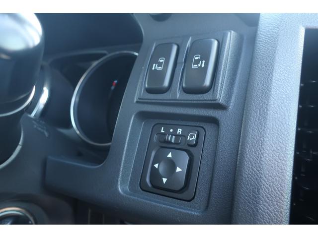 D パワーパッケージ 4WD アルパイン9インチSDナビ 10インチフリップダウンリアモニター フルセグ バックカメラ ETC 新品16インチAW 新品M/Tタイヤ 両側電動スライドドア  シートヒーター  スマートキー(59枚目)