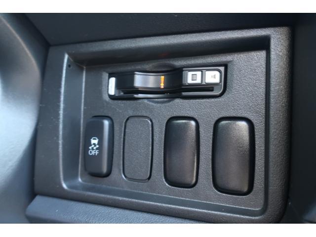 D パワーパッケージ 4WD アルパイン9インチSDナビ 10インチフリップダウンリアモニター フルセグ バックカメラ ETC 新品16インチAW 新品M/Tタイヤ 両側電動スライドドア  シートヒーター  スマートキー(60枚目)