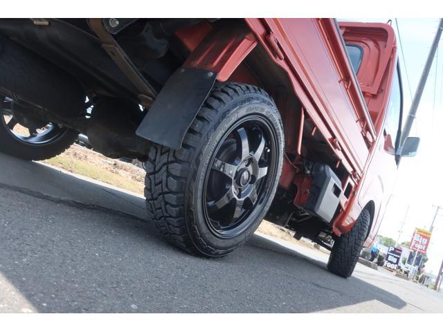 スタンダード 4WD 4速AT 新品14インチAW 新品タイヤトーヨーオープンカントリー 純正CDオーディオ AUX 荷台マット新品 アオリガード新品 ETC パワステ エアコン  運転席エアバッグ(8枚目)