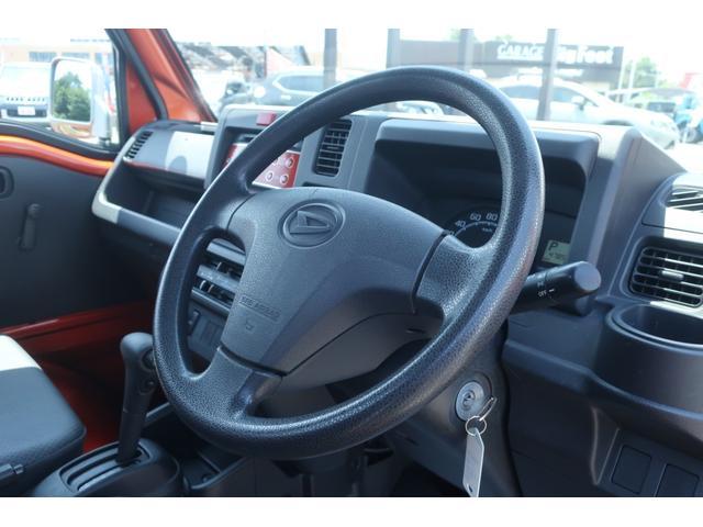 スタンダード 4WD 4速AT 新品14インチAW 新品タイヤトーヨーオープンカントリー 純正CDオーディオ AUX 荷台マット新品 アオリガード新品 ETC パワステ エアコン  運転席エアバッグ(9枚目)