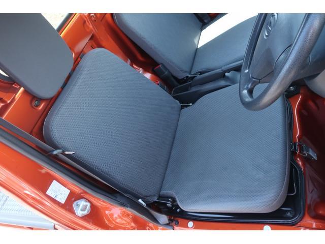 スタンダード 4WD 4速AT 新品14インチAW 新品タイヤトーヨーオープンカントリー 純正CDオーディオ AUX 荷台マット新品 アオリガード新品 ETC パワステ エアコン  運転席エアバッグ(12枚目)