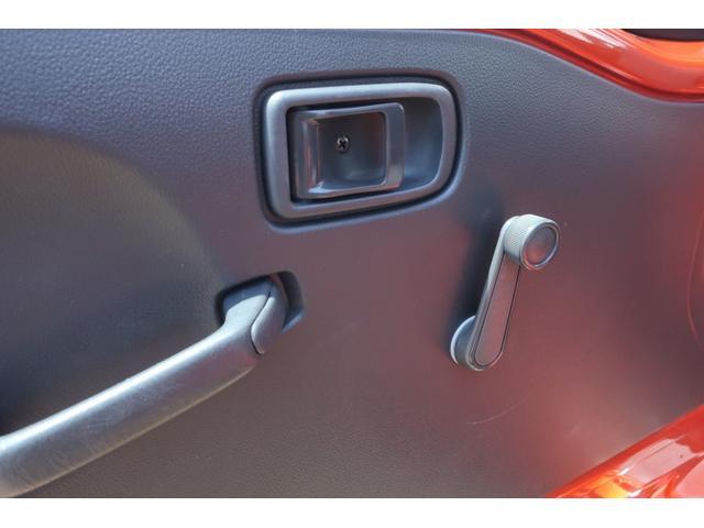 スタンダード 4WD 4速AT 新品14インチAW 新品タイヤトーヨーオープンカントリー 純正CDオーディオ AUX 荷台マット新品 アオリガード新品 ETC パワステ エアコン  運転席エアバッグ(22枚目)