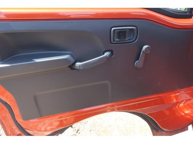 スタンダード 4WD 4速AT 新品14インチAW 新品タイヤトーヨーオープンカントリー 純正CDオーディオ AUX 荷台マット新品 アオリガード新品 ETC パワステ エアコン  運転席エアバッグ(23枚目)