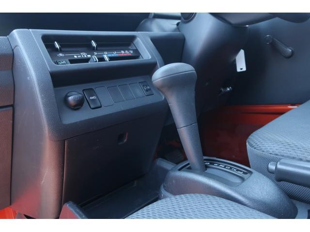 スタンダード 4WD 4速AT 新品14インチAW 新品タイヤトーヨーオープンカントリー 純正CDオーディオ AUX 荷台マット新品 アオリガード新品 ETC パワステ エアコン  運転席エアバッグ(27枚目)